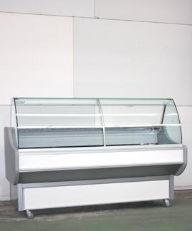 Koeltoonbank met afgerond glas (huur) - D : 96